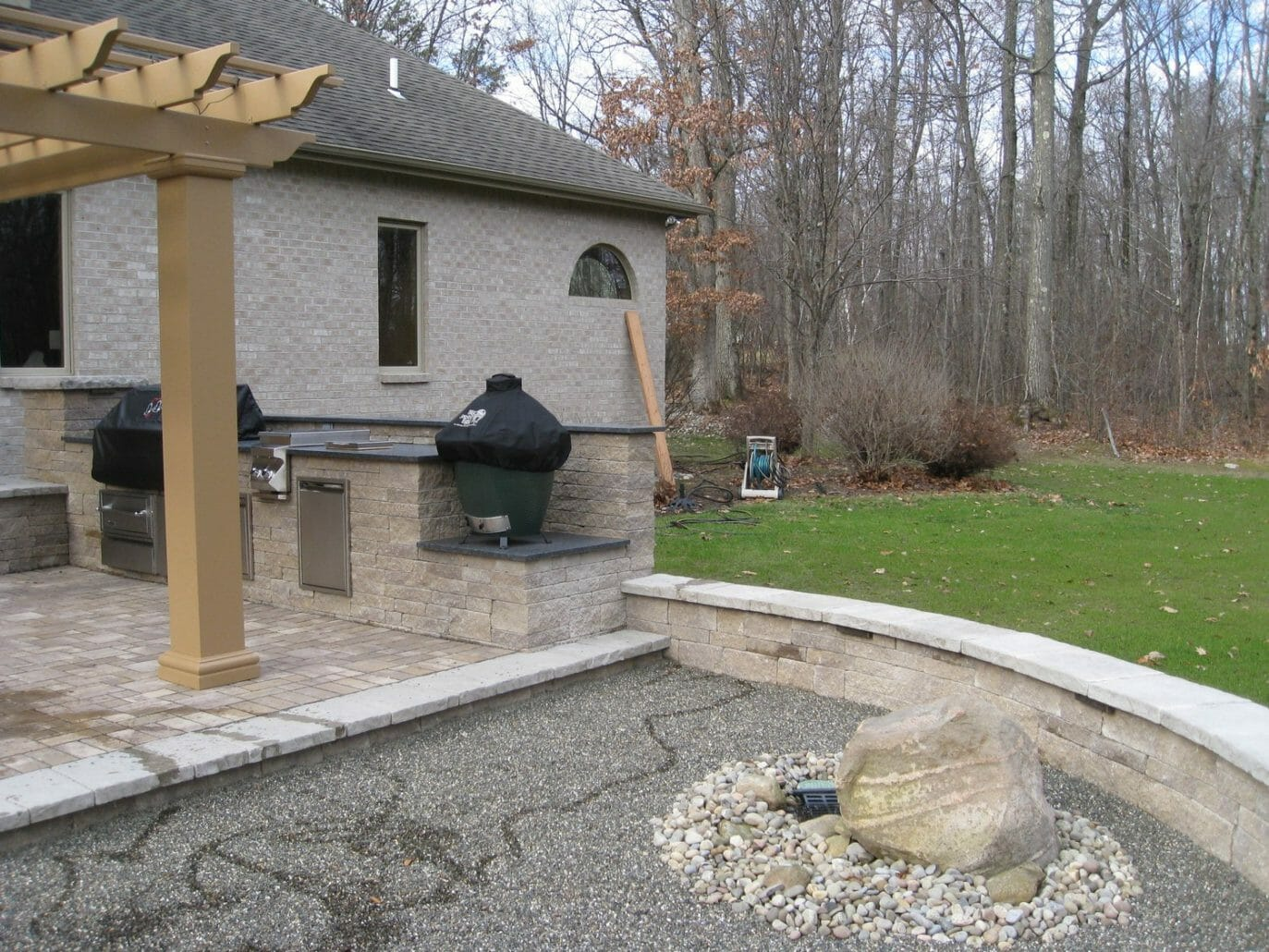 Wynantskill NY outdoor kitchen patio design 1373x1030 - Landscape Plan Installation and Project Management