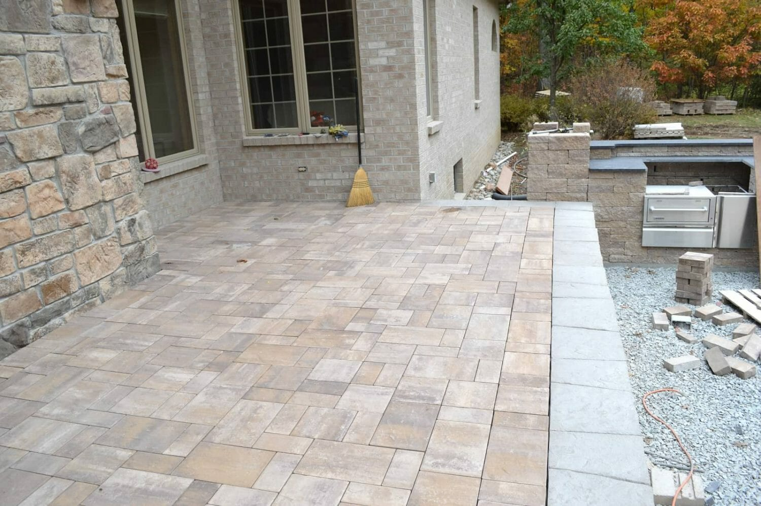 Wynantskill Troy NY hardscape patio landscape designer 1500x997 - Landscape Plan Installation and Project Management